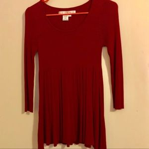 """""""Red Beauty"""" Long Blouse/sleeve, body conforming"""